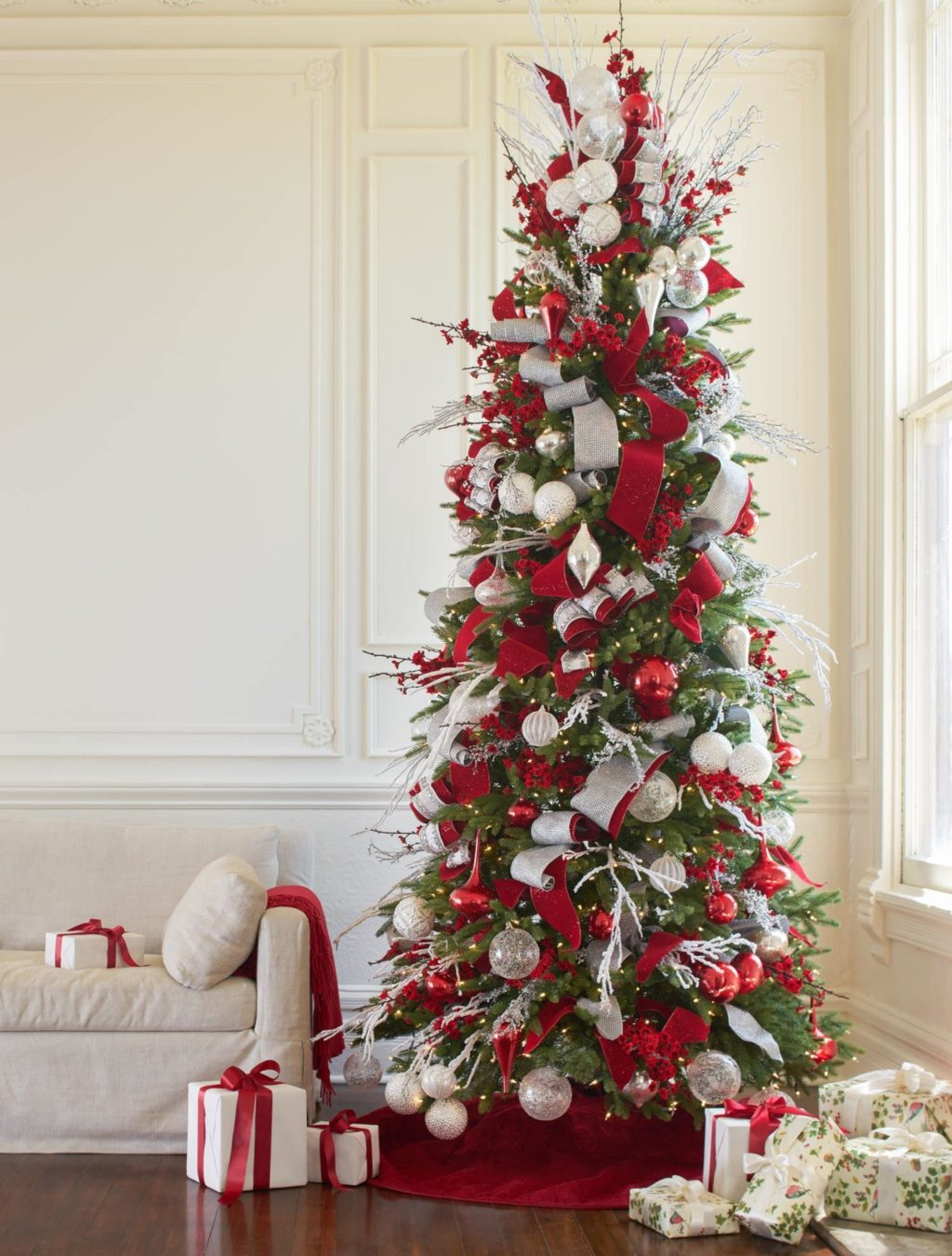 Christmas-tree-Decoration..-2-1024x1350 Master Christmas Tree Decoration by Simple Tips and 50+ Ideas