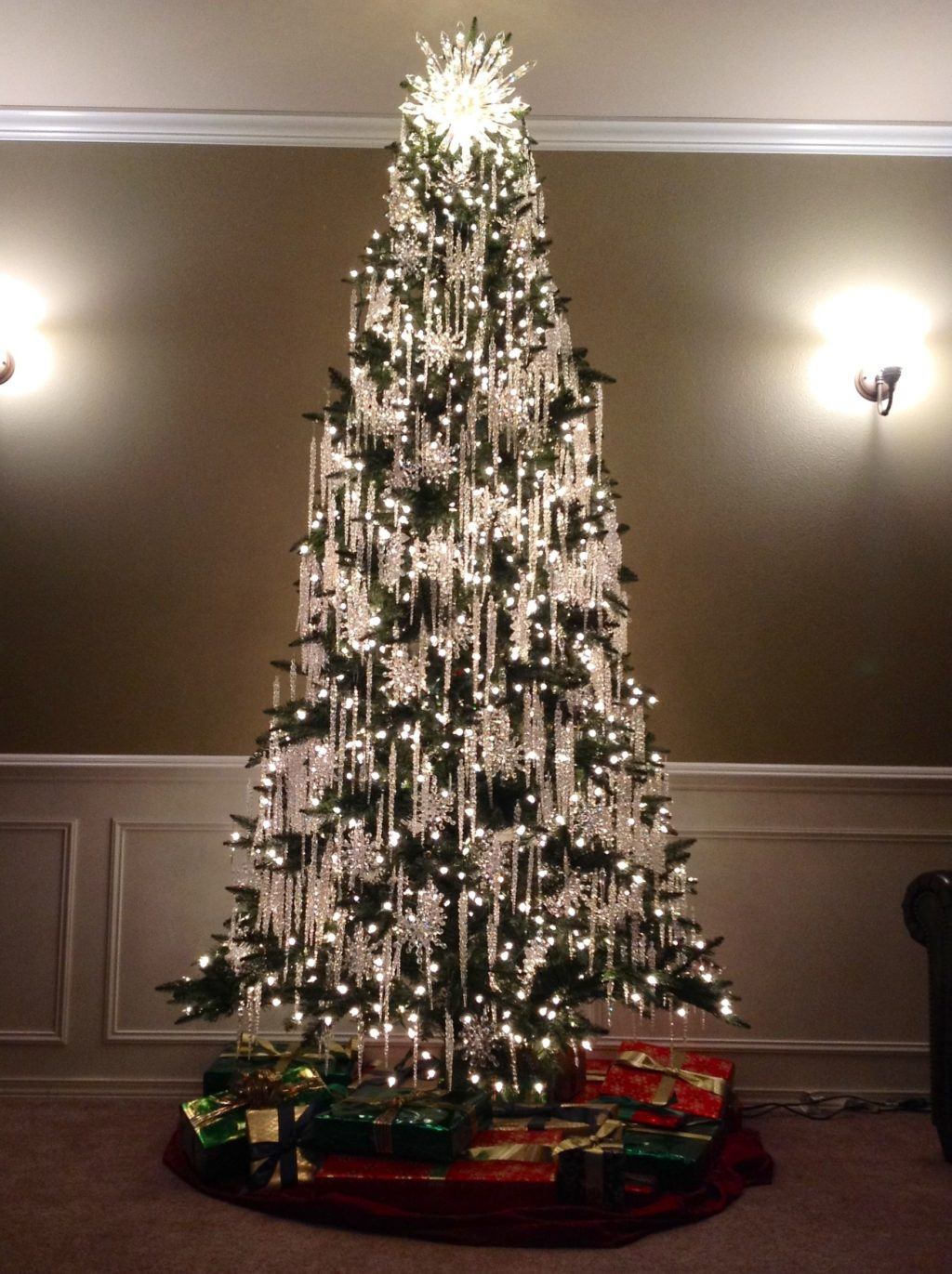 Christmas-tree-Decoration..-3-1024x1371 Master Christmas Tree Decoration by Simple Tips and 50+ Ideas