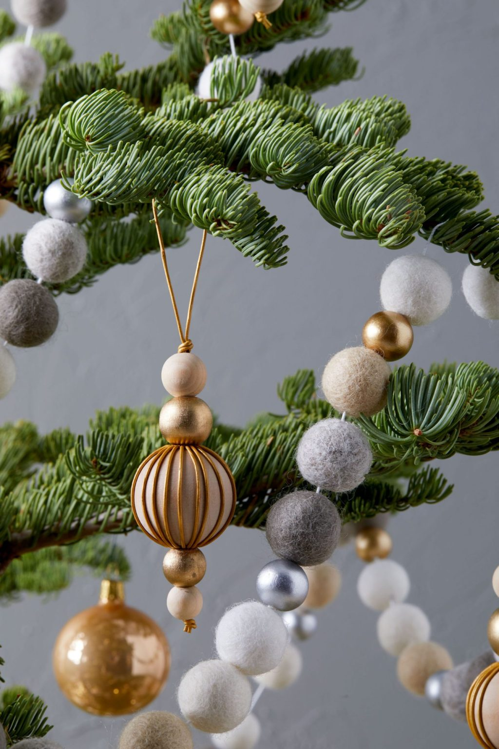 DIY-Christmas-Ornaments-1024x1536 70+ Impressive Christmas Decorations to Do Yourself in 2021