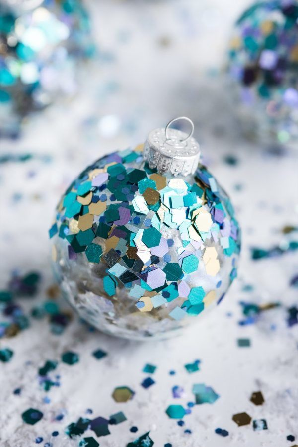 DIY-Christmas-Ornaments..-1 70+ Impressive Christmas Decorations to Do Yourself in 2021