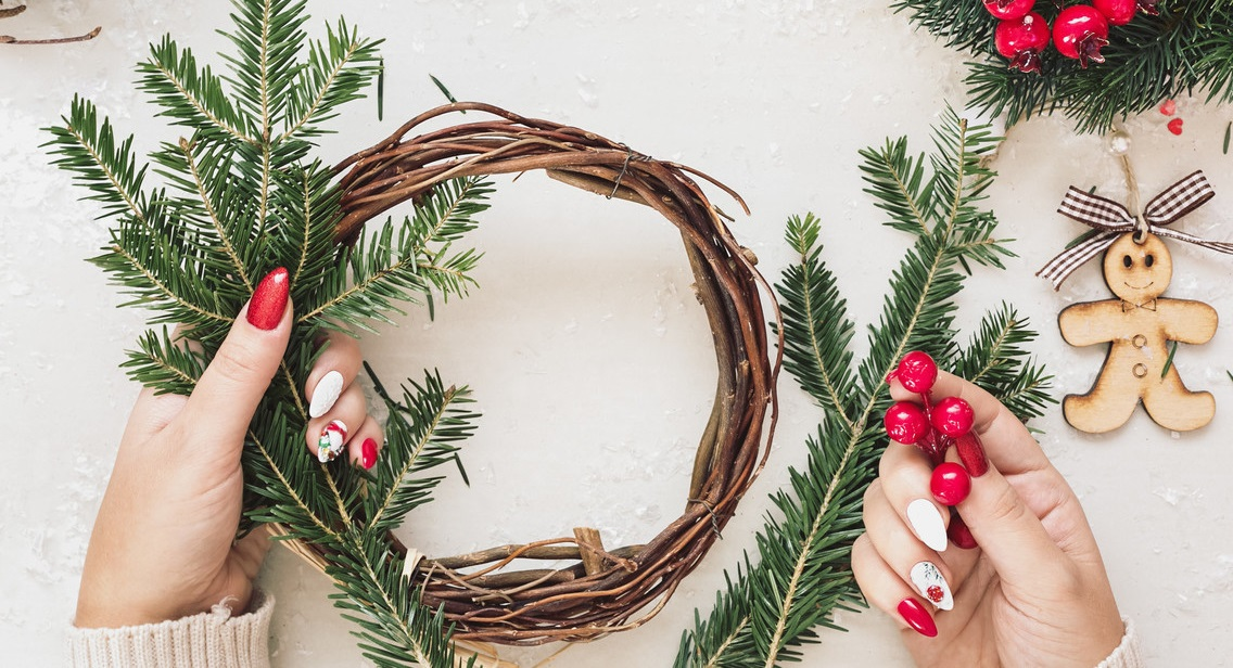 DIY-Christmas-decoration..-1 70+ Impressive Christmas Decorations to Do Yourself in 2021