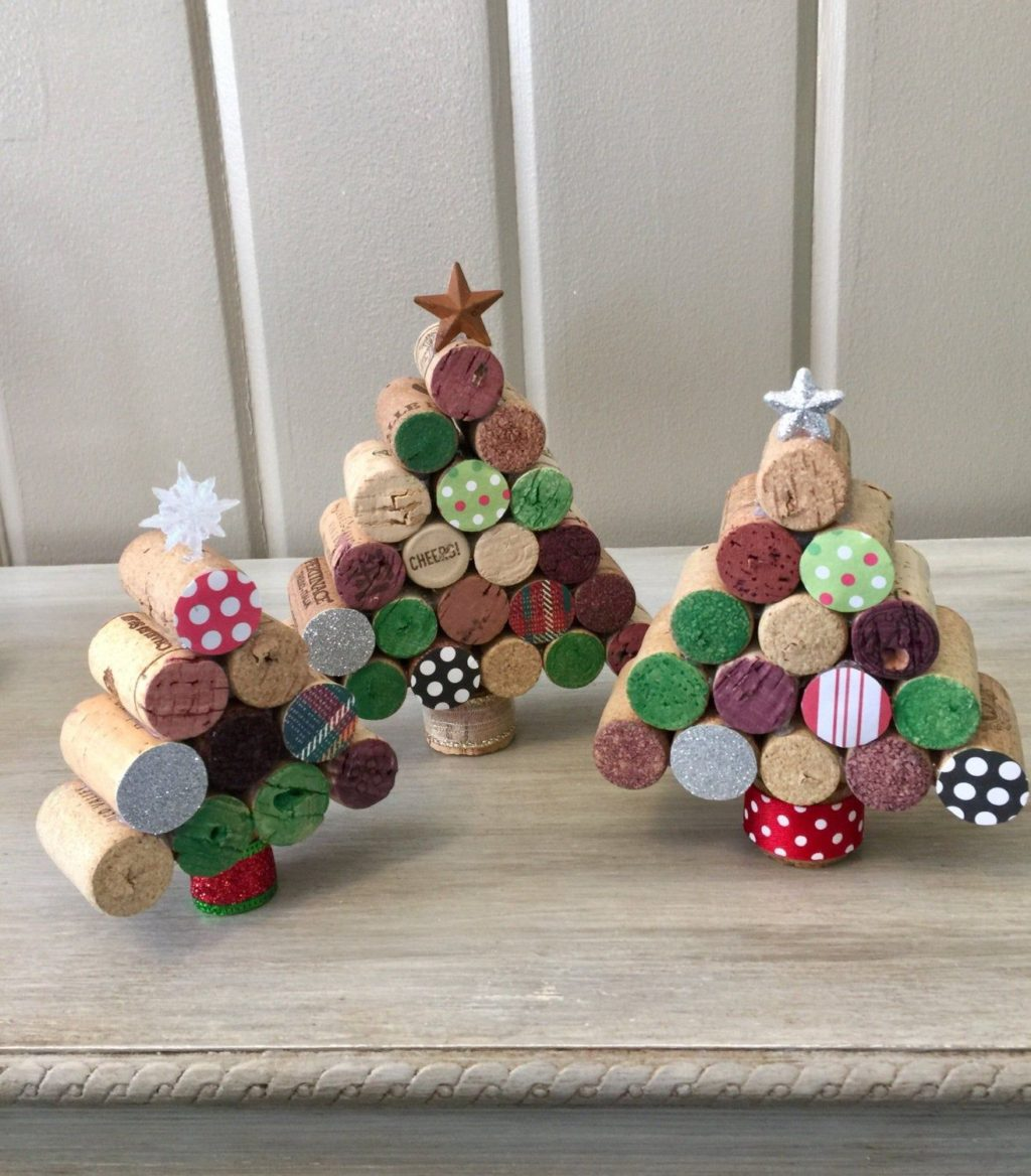 DIY-Christmas-decorations.-1-1024x1168 70+ Impressive Christmas Decorations to Do Yourself in 2021