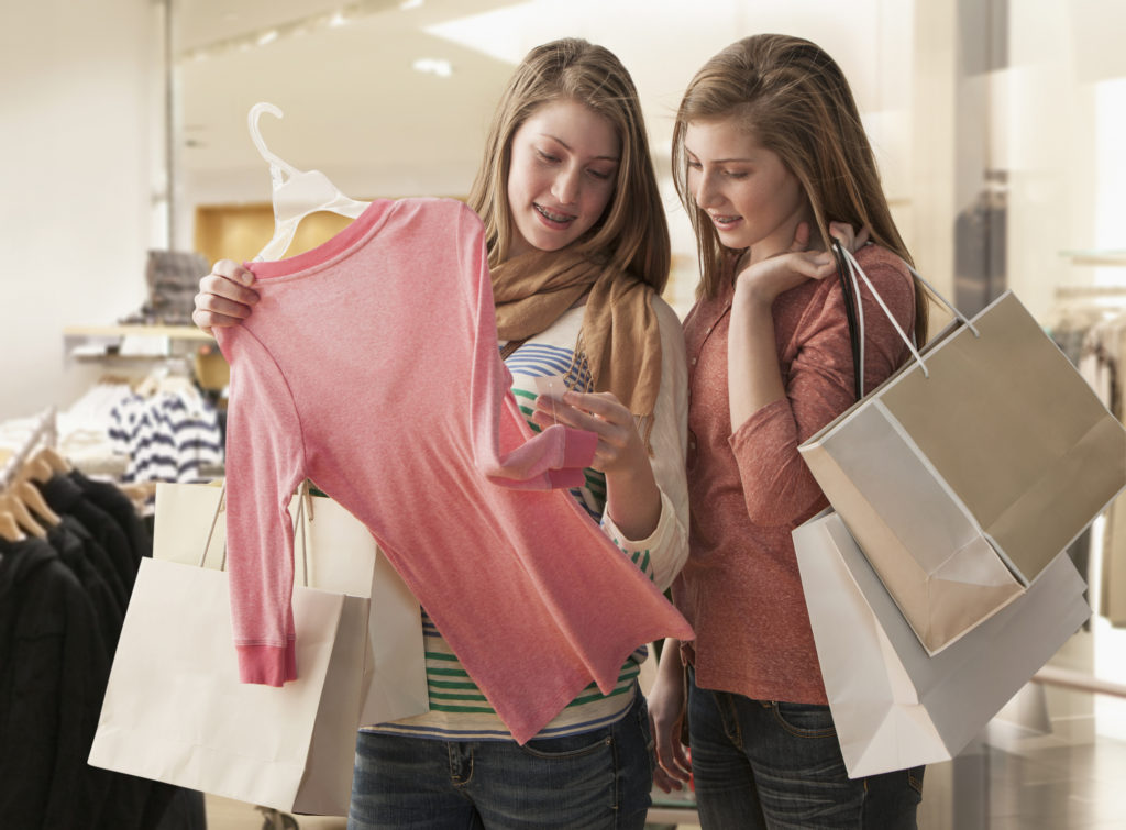 Designer-Clothes-1024x755 Best 6 Christmas Gift Ideas for Teenagers