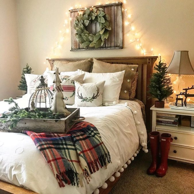 Guest-Room.-3-675x675 50+ Guest Room Christmas Decorations – Can You Make It Before Christmas Arriving?