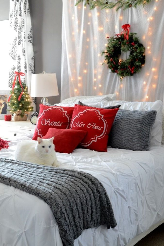 Guest-Room.-6-675x1013 50+ Guest Room Christmas Decorations – Can You Make It Before Christmas Arriving?