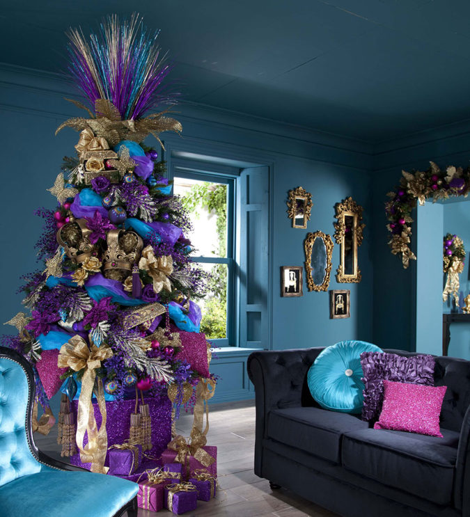 Non-Traditional-Christmas-Color-Scheme-2-675x743 70+ Brilliant Ideas for This Year Christmas Decoration