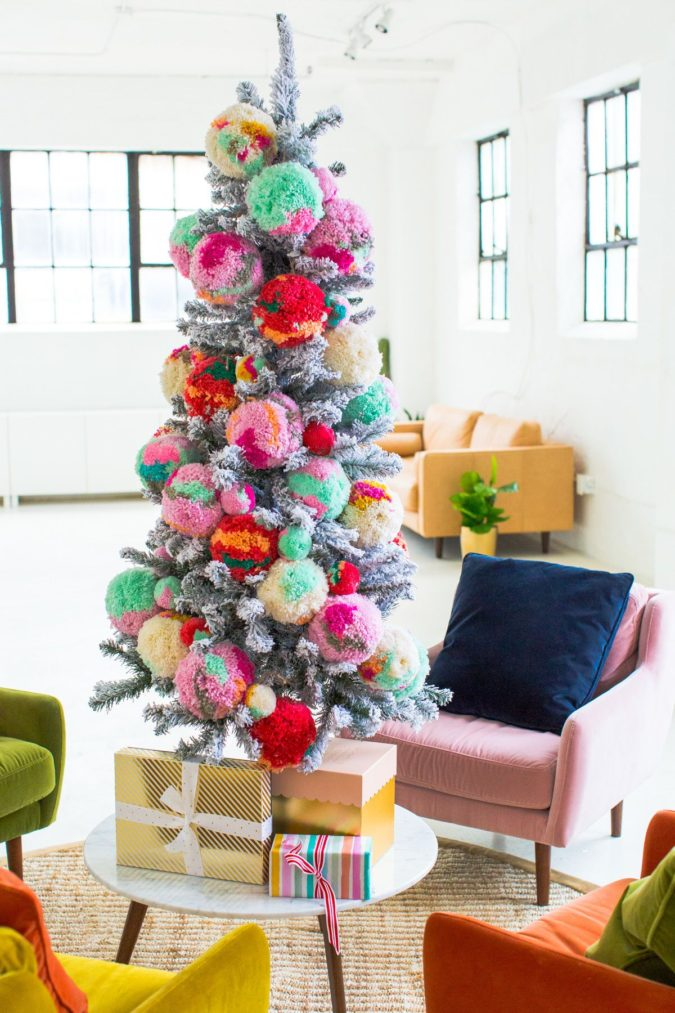 Non-Traditional-Christmas-Color-Scheme.-2-675x1013 70+ Brilliant Ideas for This Year Christmas Decoration