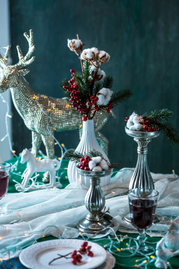 Non-Traditional-Christmas-Color-Scheme..-2 70+ Brilliant Ideas for This Year Christmas Decoration