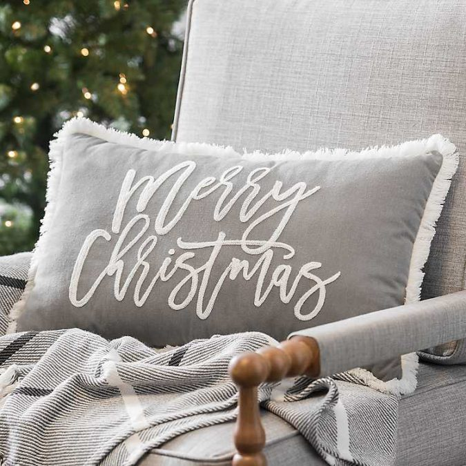 Pillows-Cushions-2-675x675 50+ Guest Room Christmas Decorations – Can You Make It Before Christmas Arriving?