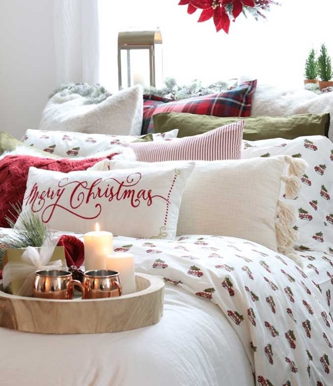 Pillows-Cushions-6-675x781 50+ Guest Room Christmas Decorations – Can You Make It Before Christmas Arriving?