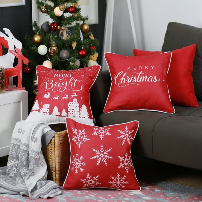 Pillows-Cushions.-2-675x675 50+ Guest Room Christmas Decorations – Can You Make It Before Christmas Arriving?