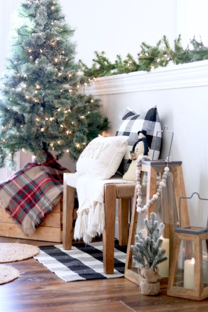 Pillows-Cushions.-3-675x1013 50+ Guest Room Christmas Decorations – Can You Make It Before Christmas Arriving?