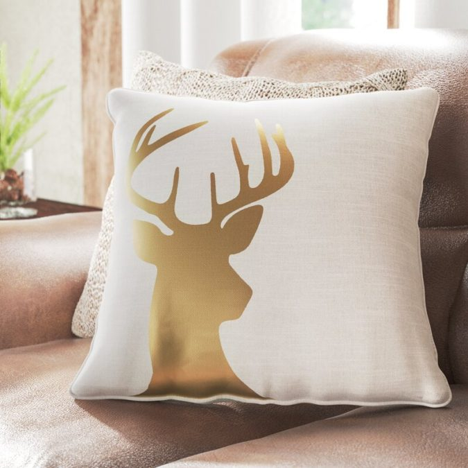 Pillows-Cushions..-1-675x675 50+ Guest Room Christmas Decorations – Can You Make It Before Christmas Arriving?