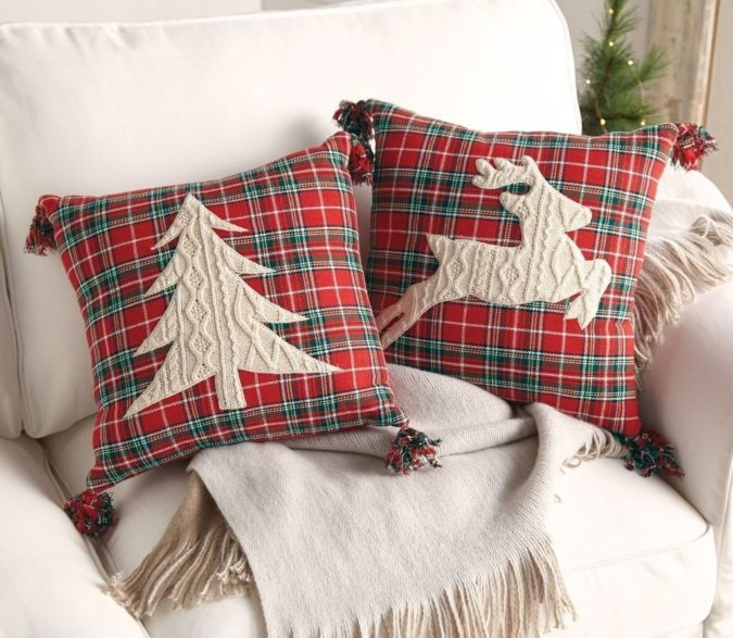 Pillows-Cushions..-3-675x587 50+ Guest Room Christmas Decorations – Can You Make It Before Christmas Arriving?