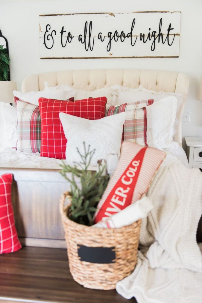Red-and-White-Guest-Room.-1-675x1011 50+ Guest Room Christmas Decorations – Can You Make It Before Christmas Arriving?