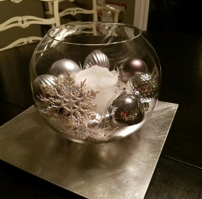 Shiny-Ornaments...-675x667 60+ Creative Ways to Decorate Your Home for This Christmas