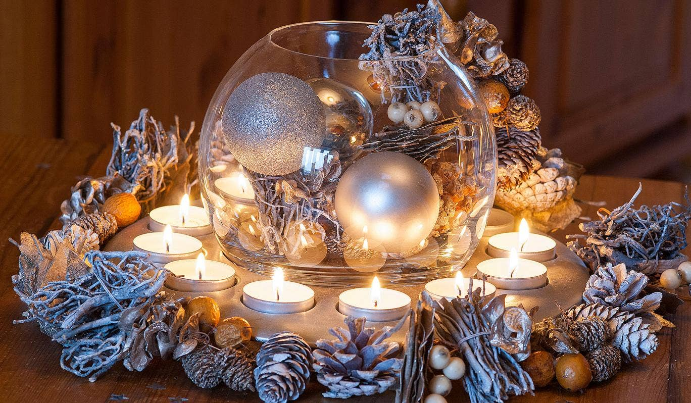 Shiny-Ornaments.. 60+ Creative Ways to Decorate Your Home for This Christmas