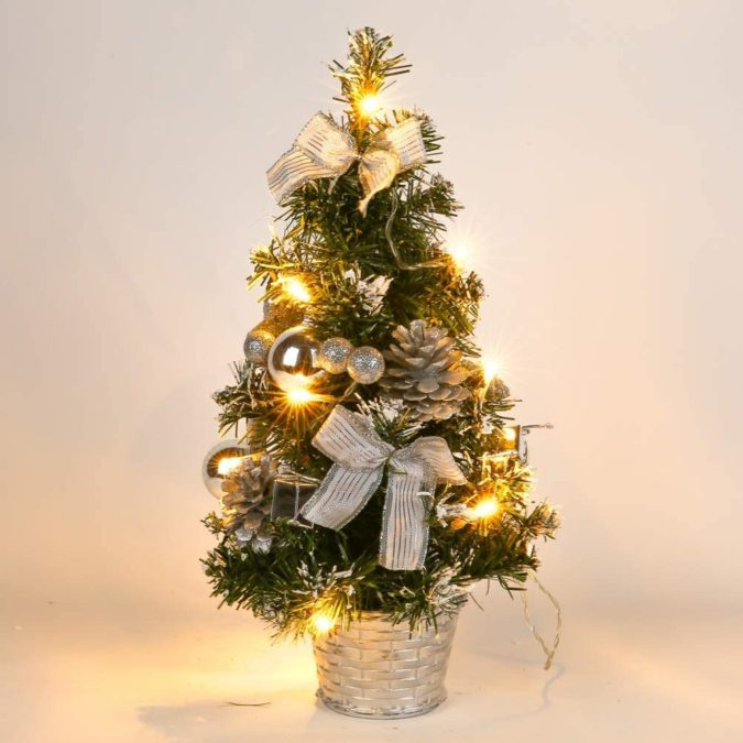 The-Christmas-tree-3-675x675 Master Christmas Tree Decoration by Simple Tips and 50+ Ideas