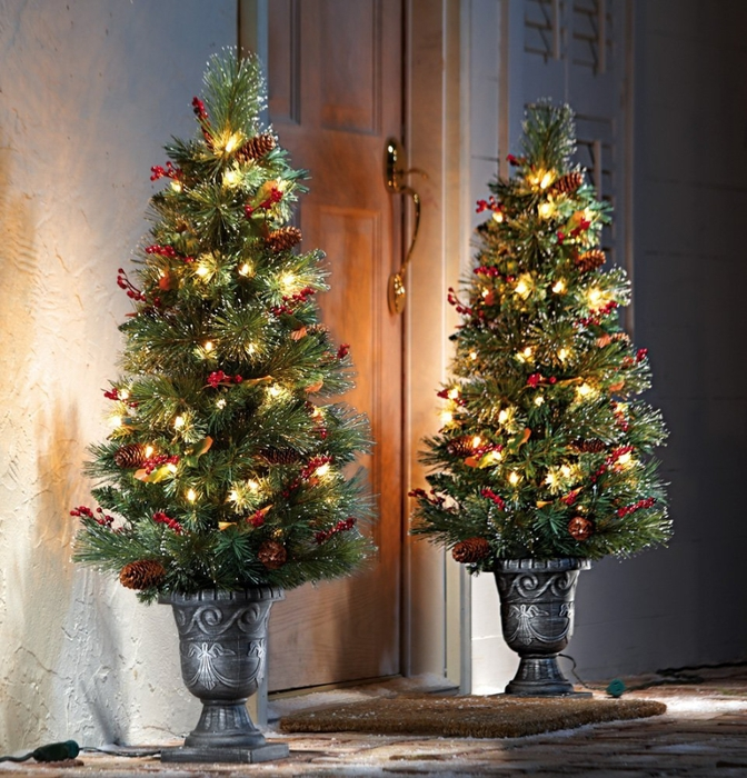 The-Christmas-tree-lights.. Master Christmas Tree Decoration by Simple Tips and 50+ Ideas