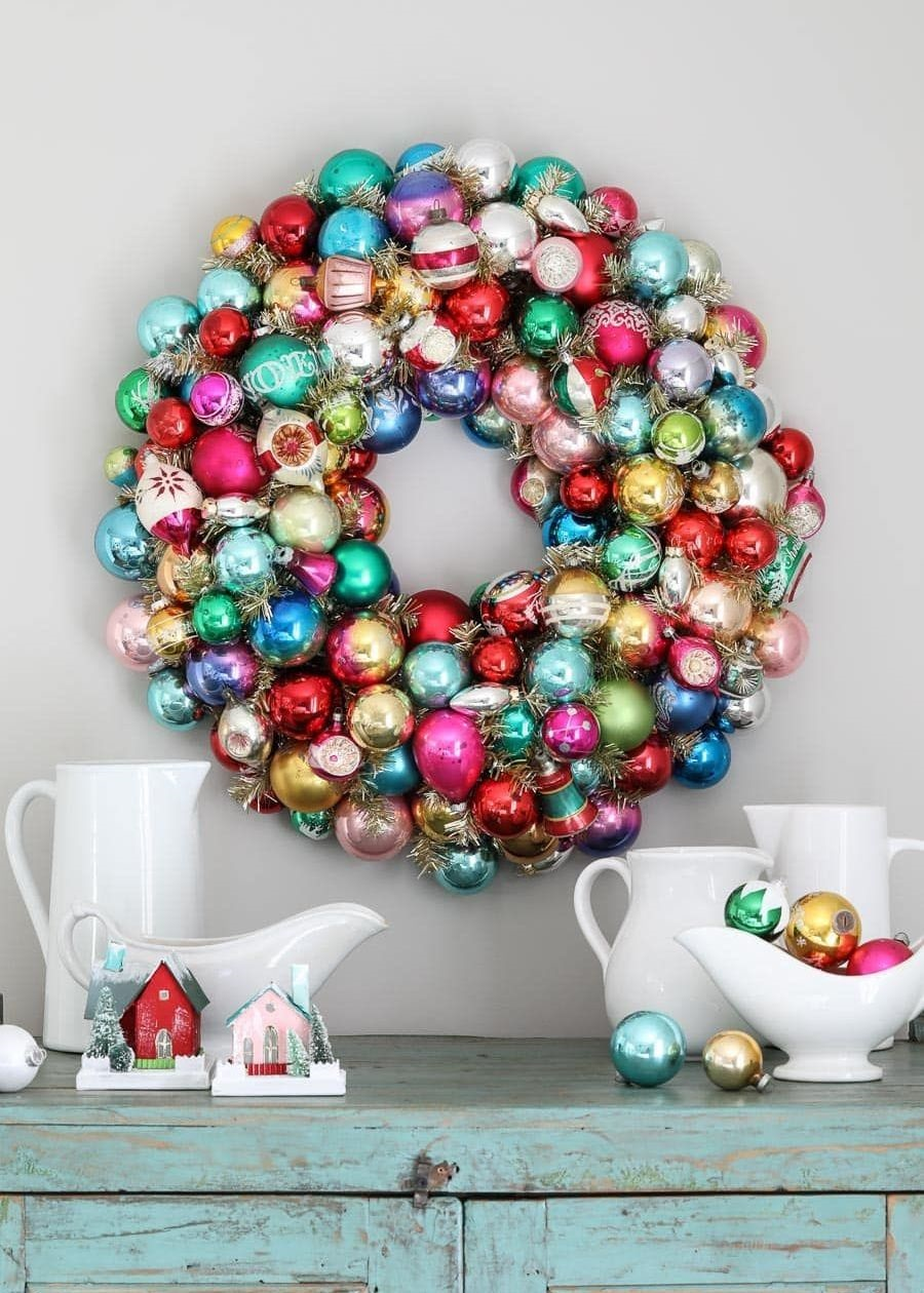 Vintage-Christmas-Decoration 70+ Impressive Christmas Decorations to Do Yourself in 2021