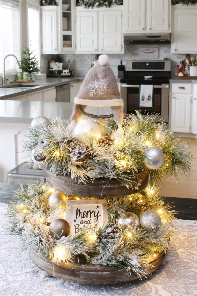 cake-plate-1-675x1013 60+ Creative Ways to Decorate Your Home for This Christmas