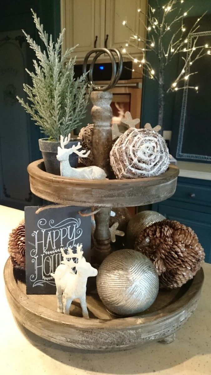 cake-plate..-675x1200 60+ Creative Ways to Decorate Your Home for This Christmas