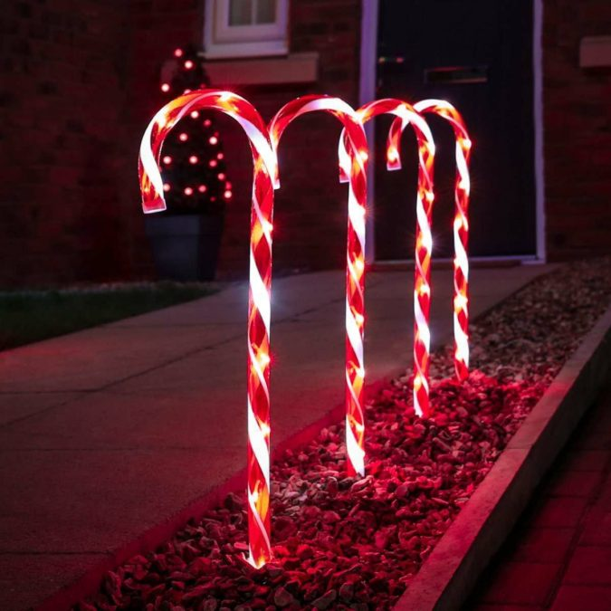 candy-canes-1-675x675 70+ Brilliant Ideas for This Year Christmas Decoration