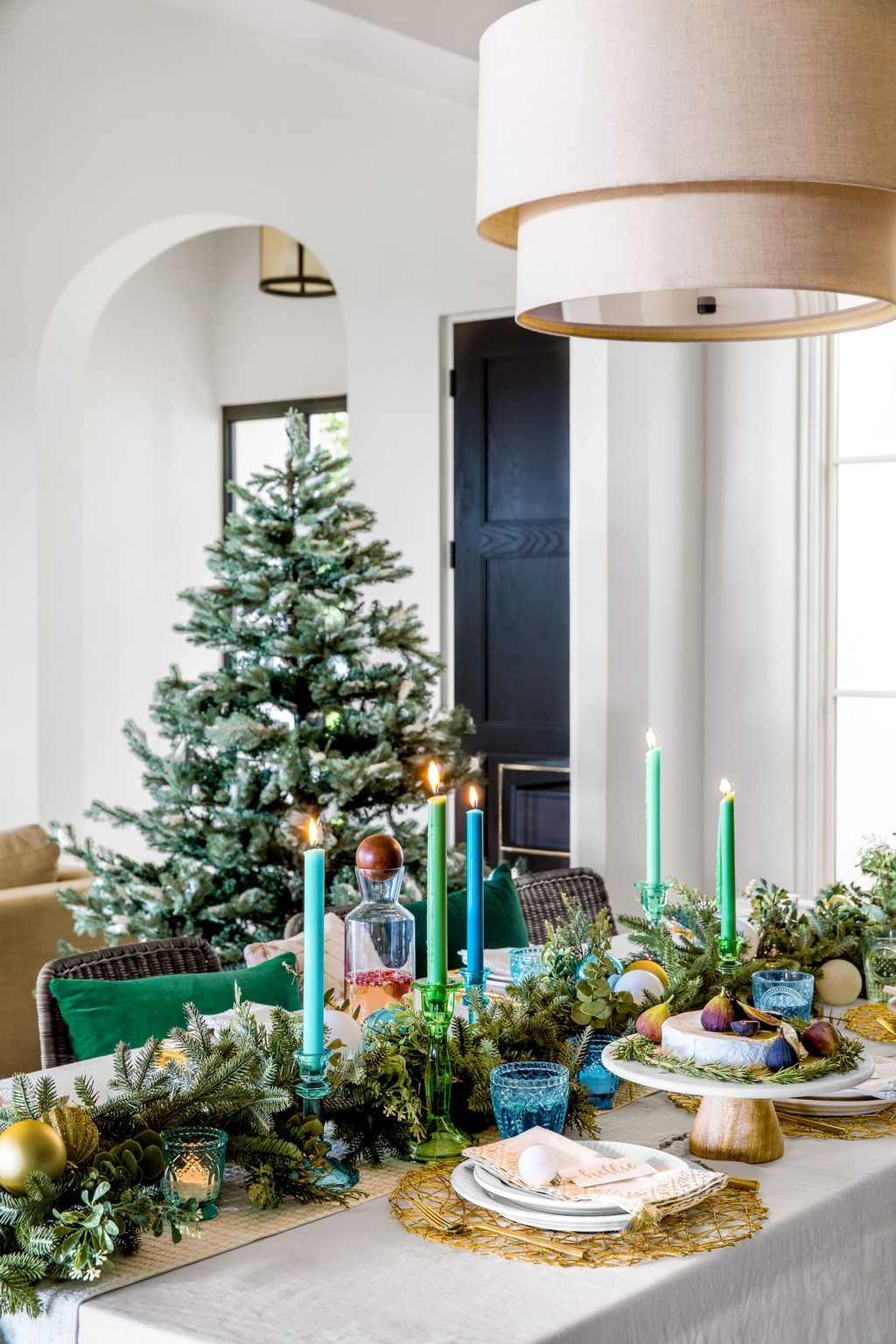 centerpiece.-1024x1536 How to Bring Joy to Your Home at This Christmas Season