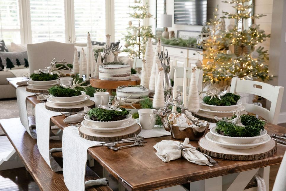centerpiece How to Bring Joy to Your Home at This Christmas Season