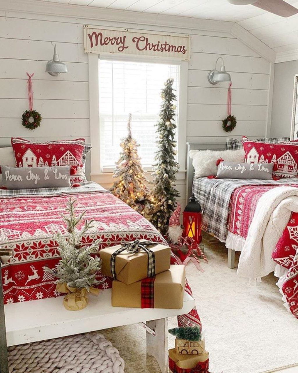 christmas-decor-ideas.-3-1024x1280 How to Bring Joy to Your Home at This Christmas Season