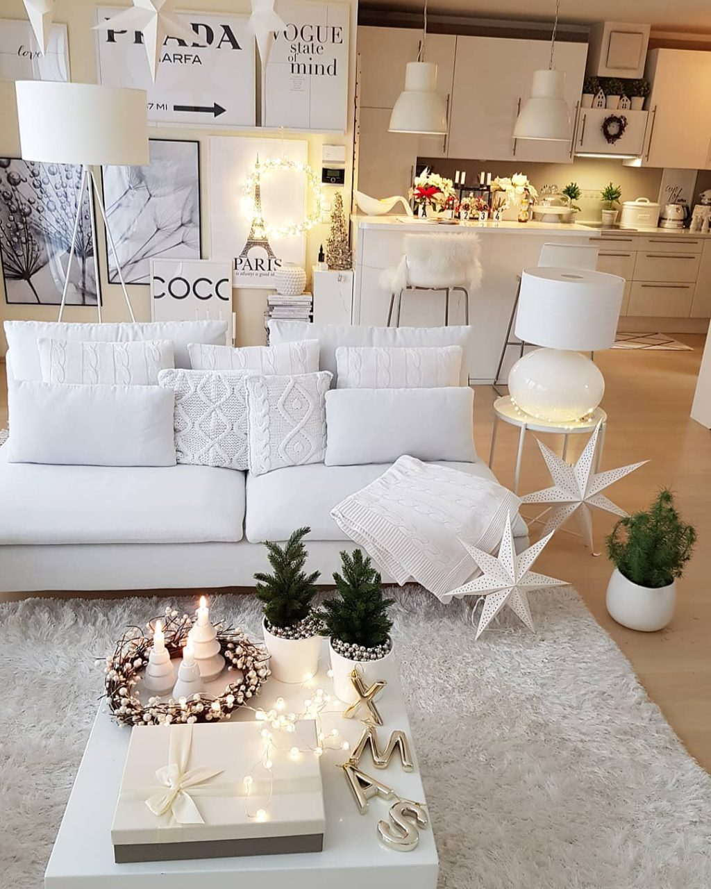 christmas-decor-ideas..-1024x1280 How to Bring Joy to Your Home at This Christmas Season