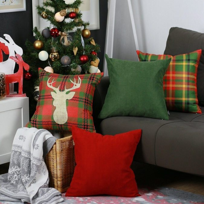 christmas-pillows..-675x675 70+ Brilliant Ideas for This Year Christmas Decoration