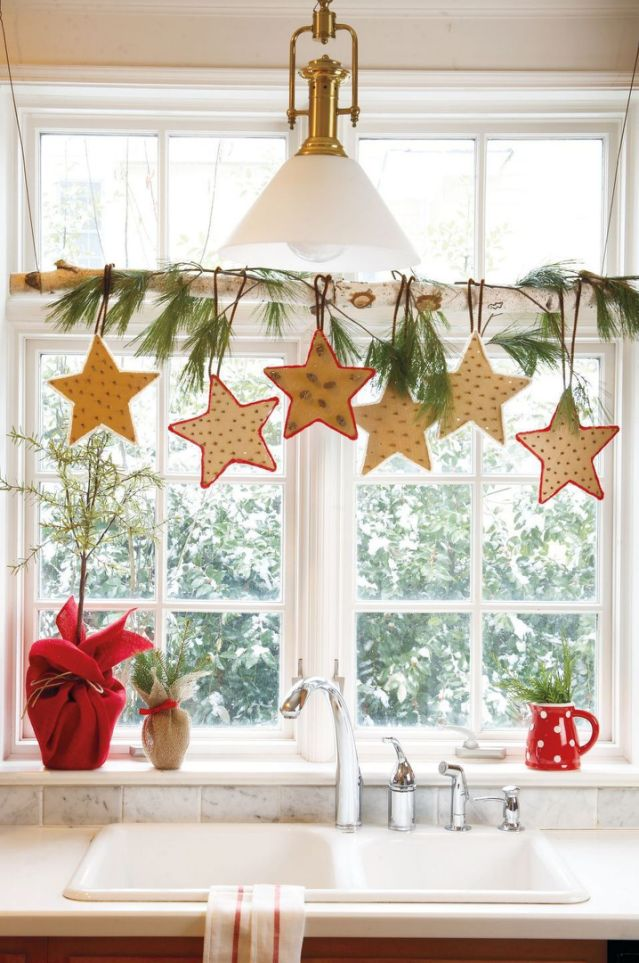 christmas-window-decoration. 70+ Impressive Christmas Decorations to Do Yourself in 2021