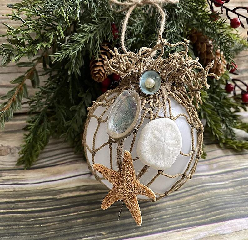coastal-decoration-idea.-1 Give Your Home a New Festive Christmas with +90 Themes & Ideas