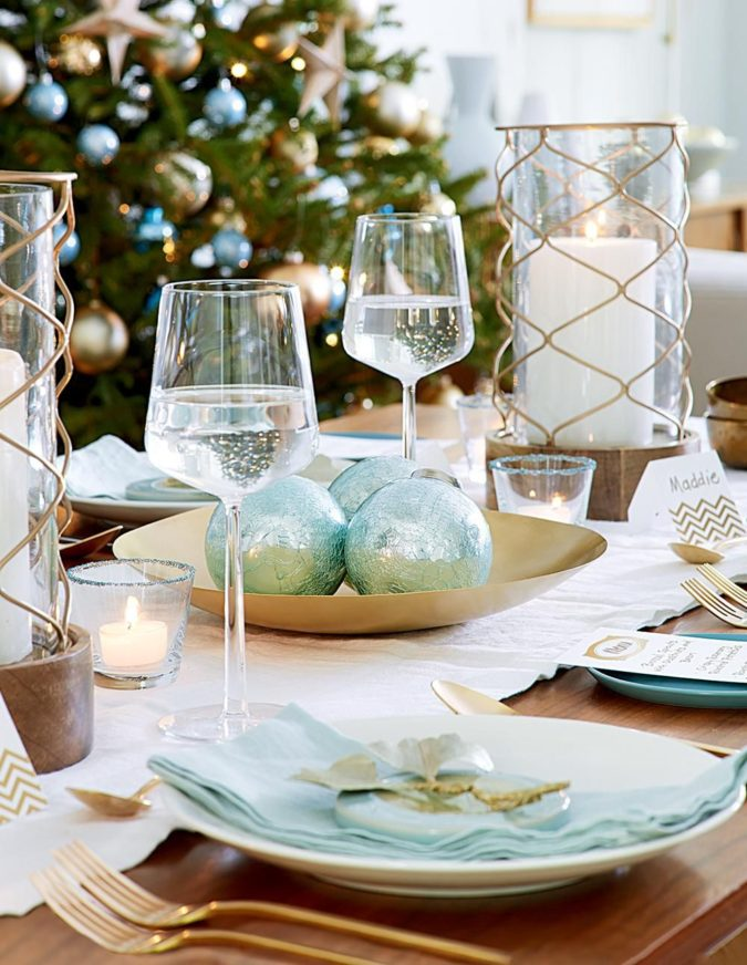 coastal-decoration.-675x872 Give Your Home a New Festive Christmas with +90 Themes & Ideas