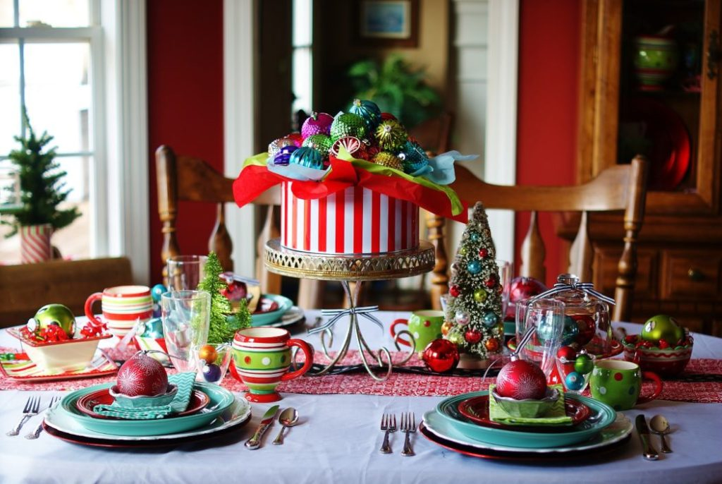 colorful-centerpiece.-2-1024x686 70+ Impressive Christmas Decorations to Do Yourself 2020 - 2021