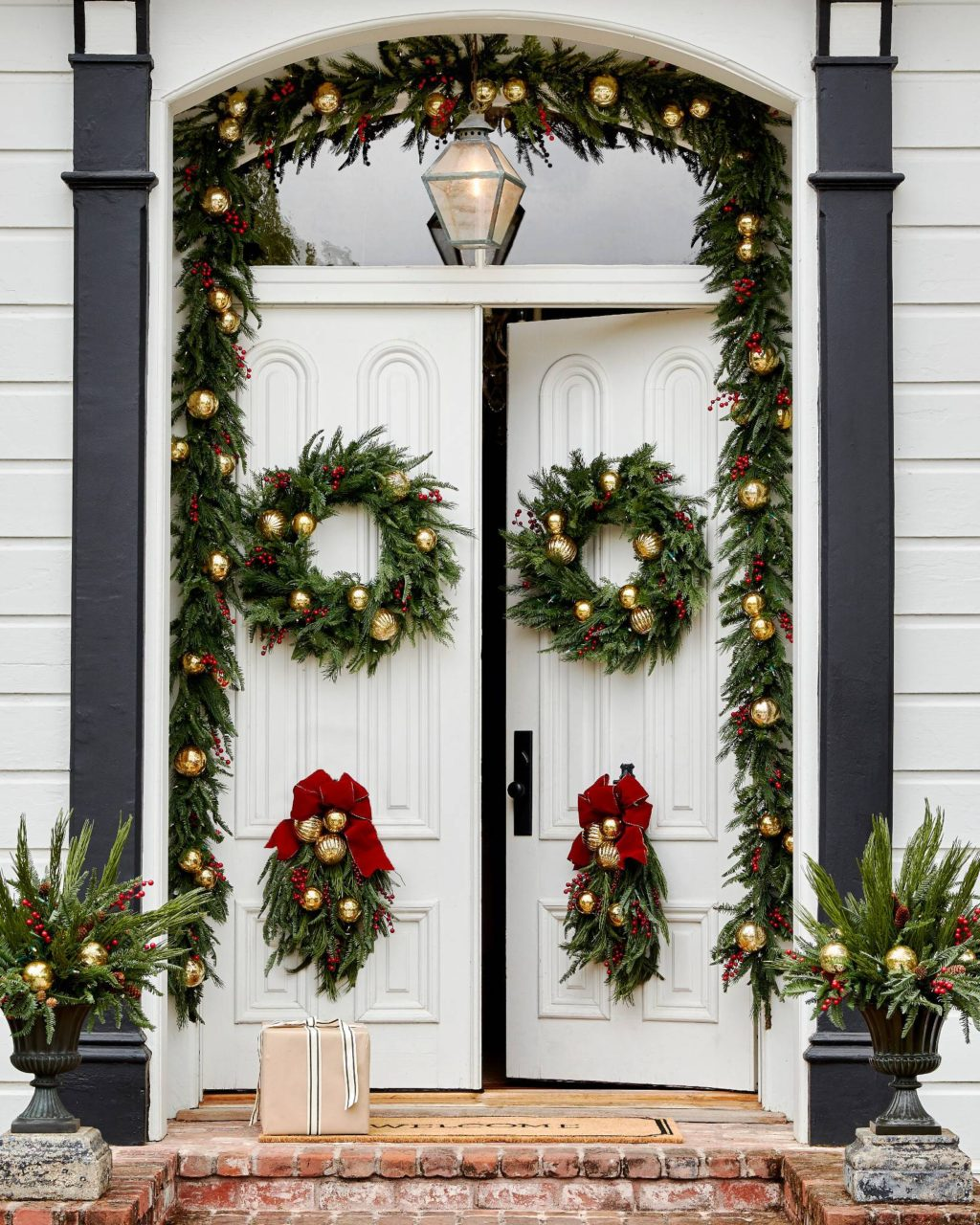 door-Christmas-Decoaration-1024x1280 Let Your Outdoor Area Twinkle by This Year Christmas Lights Decorations