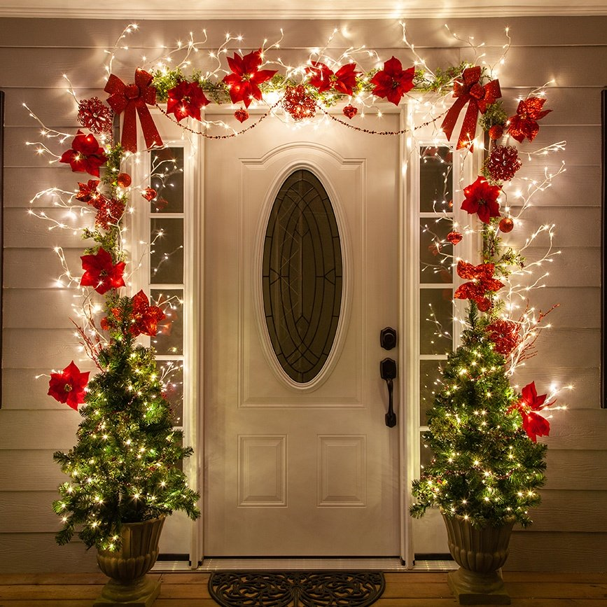door-Christmas-Decoaration.-1 Let Your Outdoor Area Twinkle by This Year Christmas Lights Decorations
