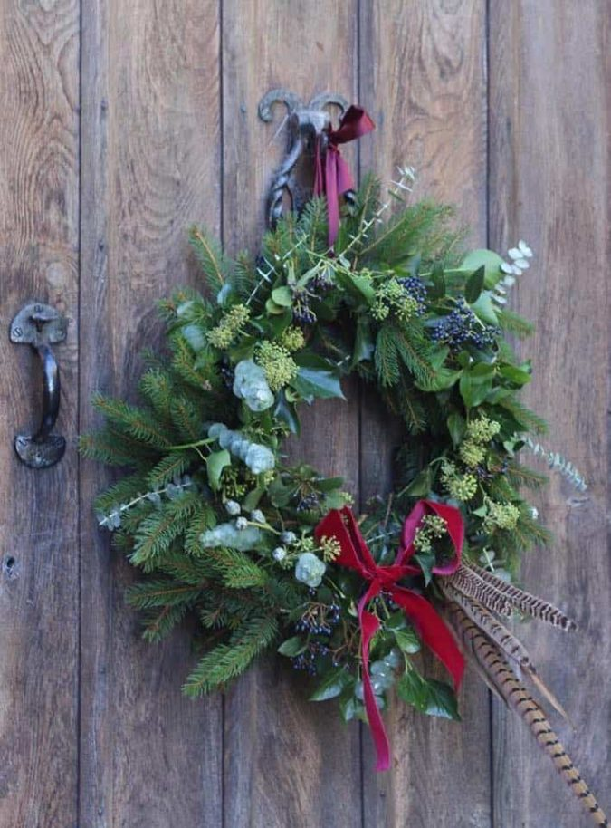 fresh-wreath.-1-675x914 60+ Creative Ways to Decorate Your Home for This Christmas