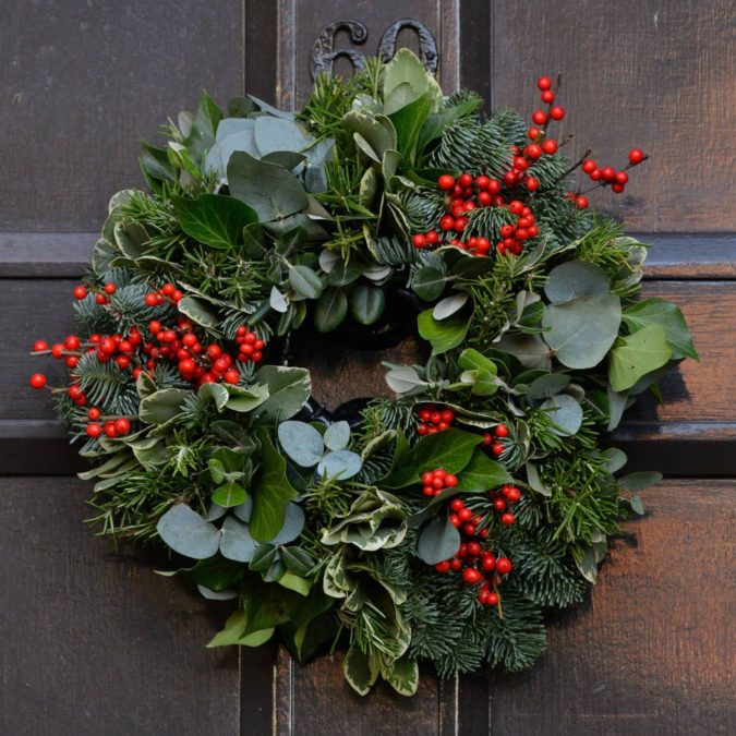fresh-wreath.-675x675 60+ Creative Ways to Decorate Your Home for This Christmas