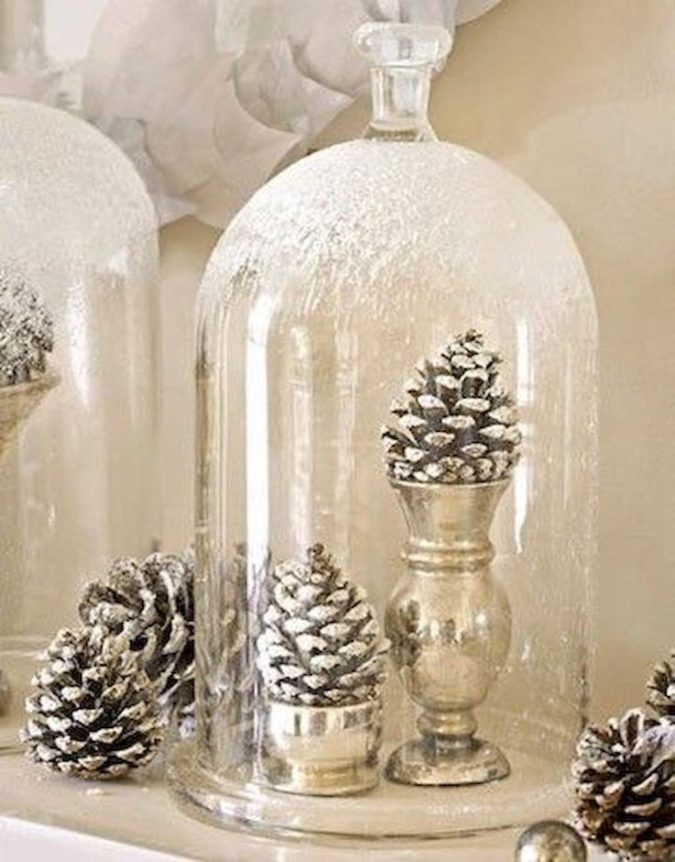 frosty-fake-snow.-1-675x862 60+ Creative Ways to Decorate Your Home for This Christmas