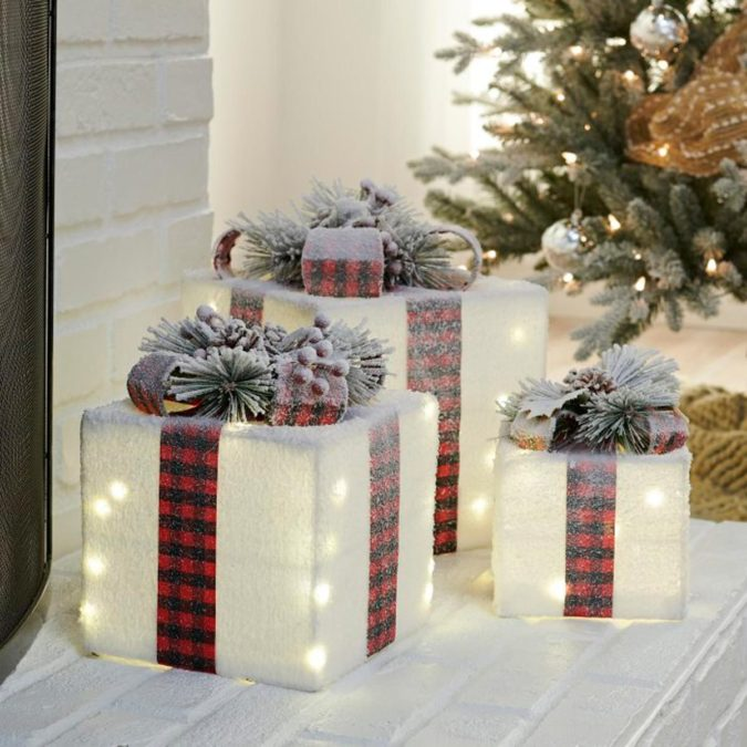 lights-675x675 Let Your Outdoor Area Twinkle by This Year Christmas Lights Decorations