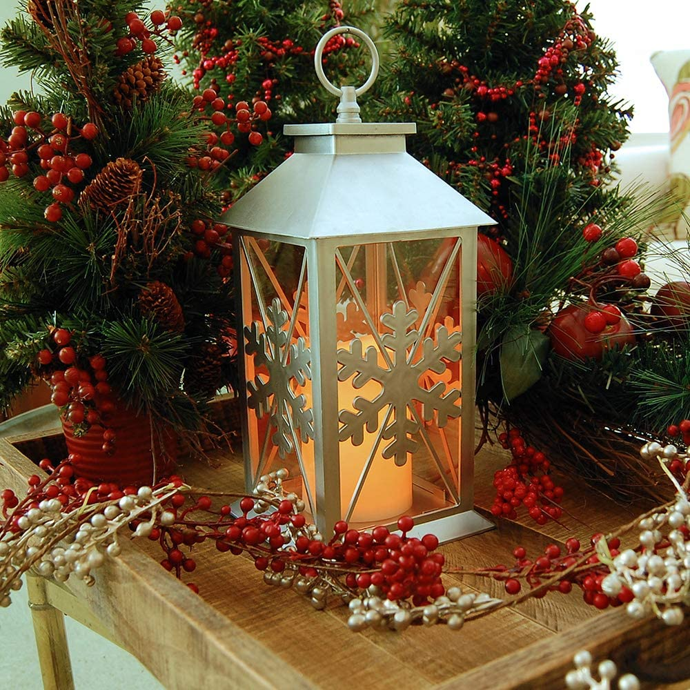 outdoors-lighting.-1 70+ Impressive Christmas Decorations to Do Yourself in 2021
