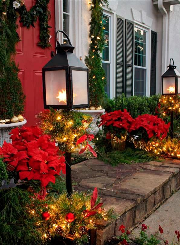 outdoors-lighting.-5 70+ Impressive Christmas Decorations to Do Yourself 2020 - 2021