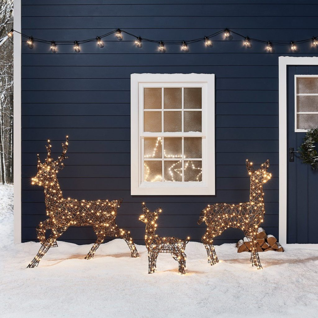 outdoors-lighting..-2-1024x1024 70+ Impressive Christmas Decorations to Do Yourself in 2021