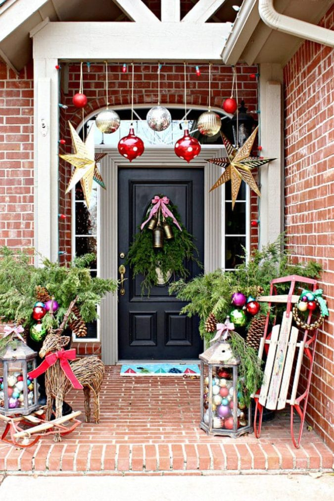 outdoors-lighting...-675x1012 70+ Impressive Christmas Decorations to Do Yourself 2020 - 2021