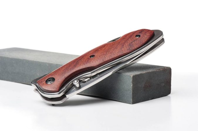 pocket-knife-675x449 Top 10 Legal Reasons Men Carry a Traditional Pocket Knife