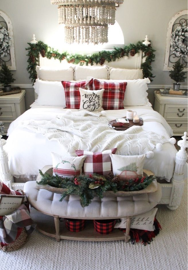 simple-Guest-Room.-5 50+ Guest Room Christmas Decorations – Can You Make It Before Christmas Arriving?