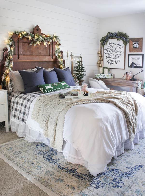 simple-Guest-Room.-8 50+ Guest Room Christmas Decorations – Can You Make It Before Christmas Arriving?