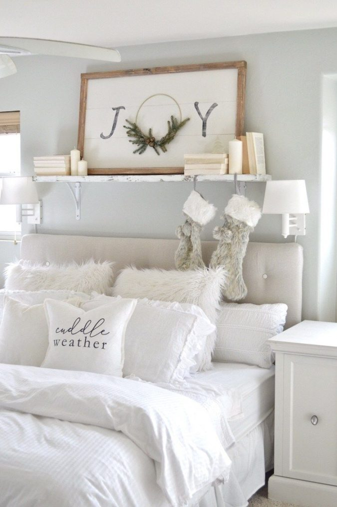 simple-Guest-Room..-2-675x1015 50+ Guest Room Christmas Decorations – Can You Make It Before Christmas Arriving?